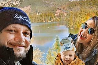 S manželkou Alicou a s dcérkou Nelkou trávi všetok voľný čas.