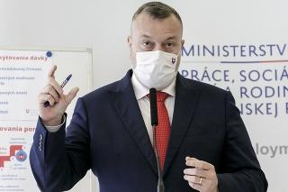 Minister práce, sociálnych vecí a rodiny (MPSVR) SR Milan Krajniak (Sme rodina)