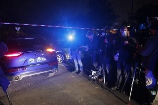 Útočník utrpel ťažké zranenia po tom, čo ho v susednom meste postrelili policajti.