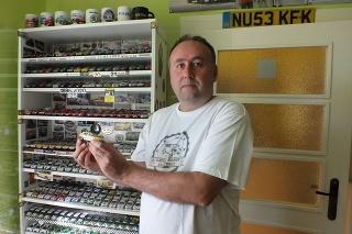 Peter je na svoju zbierku právom hrdý a žne s ňou úspechy aj na rôznych výstavách.
