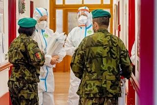 Núdzové nemocnice buduje česká armáda.