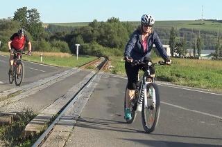 Bicyklovanie je u Slovákov čoraz populárnejšie.