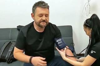 Problémy s tlakom:  Michal si dal počas nakrúcania šou zmerať svoj problematický tlak.