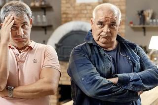 Filip Tůma sa s Pavlom Topoľským poznajú už 25 rokov. Medzi ich postavami v Oteckoch to riadne iskrí.