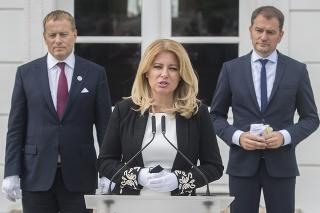 Prezidentka Zuzana Čaputová, vľavo predseda Národnej rady (NR) SR Boris Kollár (Sme rodina) a vpravo premiér SR Igor Matovič (OĽANO).