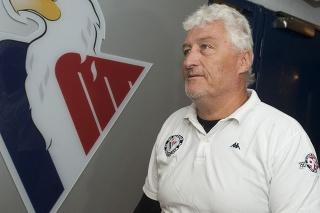 Miloš Říha († 61) pôsobil ako tréner aj v Slovane.