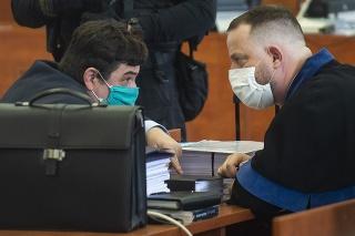 Vľavo obžalovaný Marian Kočner a vpravo jeho advokát Marek Para.