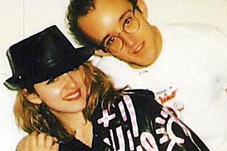 Keith Haring († 31)  spolu s Madonnou vymietal všetky slávne newyorské podniky.