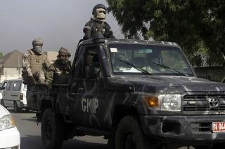 Čadská armáda informovala o zabití stoviek povstalcov.