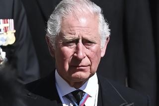 Princ Charles na pohrebe otca.