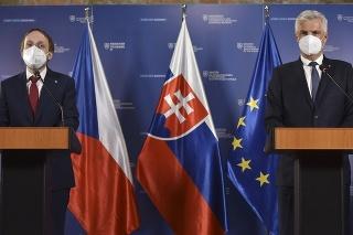 Minister zahraničných vecí a európskych záležitostí SR Ivan Korčok (vpravo) a český minister zahraničných vecí Jakub Kulhánek