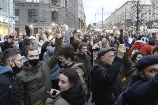 Na zhromaždeniach na podporu Navaľného zatkli vyše 1700 ľudí.