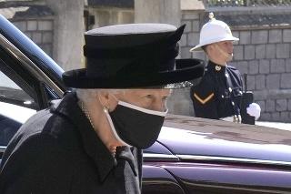 Kráľovná Alžbeta na pohrebe manžela.
