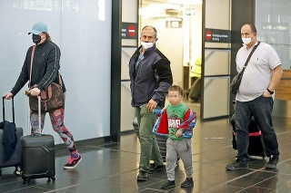 Viedeň 20. 4. 2021 13.10 hod.: Kotleba dorazil z Egypta na viedenské letisko v utorok krátko popoludní.