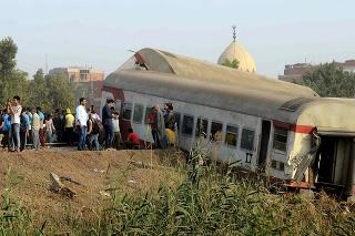 Vykoľajenie vlaku si vyžiadalo najmenej 11 obetí na životoch.