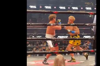 Jake Paul zasadil Askrenovi knockout už po dvoch minútach.