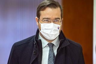 Krajčí podpísal povolenie na použitie ruskej vakcíny ešte na začiatku marca.