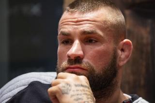 Český zápasník MMA Karlos Vémola.