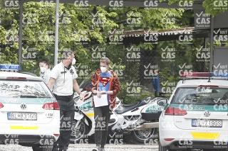 Moderátor Noro Dolinský skončil v rukách polície.