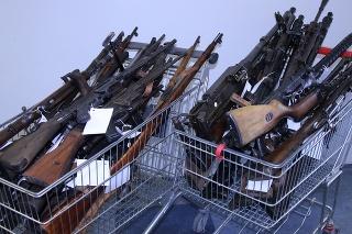 Od začiatku zbraňovej amnestie bolo odovzdaných 860 zbraní