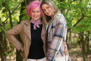 Nela Pocisková s mamou Ľudmilou.