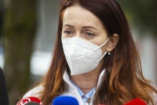 Anestéziologička Andrea Letanovská počas tlačovej konferencie na tému Ako pomôcť Slovensku s nedostatkom zdravotníckeho personálu