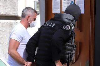 Policajný exprezident Tibor Gašpar zostáva vo väzbe.