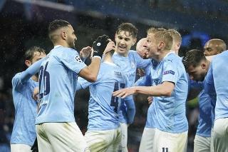 Hráči Manchestru City sa tešia po góle.