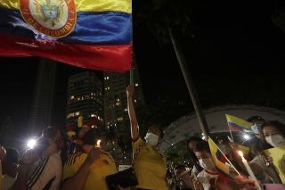 Protesty proti vláde v Kolumbii pokračujú, vyžiadali si už najmenej 24 obetí.