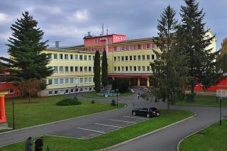 Na snímke areál a hlavná budova Ľubovnianskej nemocnice.