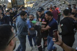 Palestínčania vyzvali na ukončenie izraelských útokov.