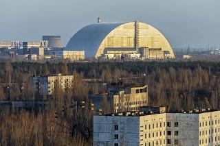 Ochranný kryt nad reaktorom: Jeho životnosť by mala byť 100 rokov.