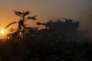 Izraelské pozemné jednotky vstúpili do pásma Gazy.