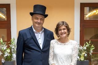 Speváčka Katka Feldeková povedala svoje áno po desiatich rokoch randenia hudobníkovi Richardovi Šimurkovi.