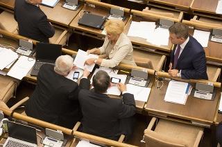 Poslanecké grémium na čele spredsedom parlamentu Borisom Kollárom (55) zakázalo vstup do NR SR jednému zfotografov.