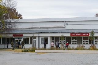 Odberné miesto na výstavisku Agrokomplex v Nitre 1. novembra 2020.