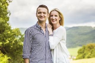 Viktor a Adela sa zosobášili pred rokom a pol.