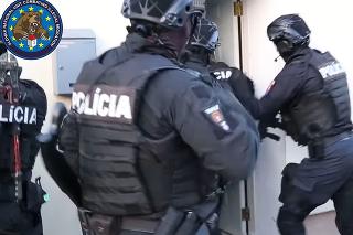 Polícia obvinila dvoch Egypťanov z prevádzačstva.