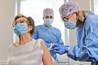 Bratislavské očkovacie centrum má zatiaľ najviac  záujemcov o vakcínu.