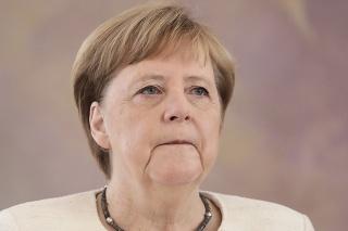 Angela Merkelová opäť dostala triašku.