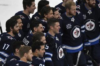 Hokejisti Winnipegu postúpili do finále Severnej divízie.