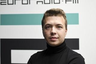 Na archívnej snímke bieloruský novinár a opozičný aktivista Raman Pratasevič.