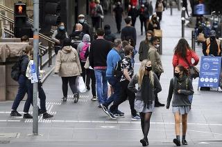 Skoro päťmiliónové mesto Melbourne bolo v karanténe 112 dní.