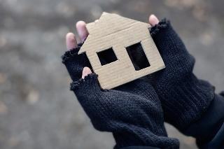 Sociálne služby nie sú dostačujúce pre vyše 23 000 ľudí bez domova žijúcich na Slovensku (ilustračné foto).