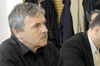 Na snímke štátny tajomník ministerstva práce, sociálnych vecí a rodiny SR Branislav Ondruš (vpravo) a moderátor Juraj Hrabko.
