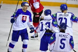 Na snímke gólová radosť Slovákov v zápase základnej A-skupiny Švajčiarsko - Slovensko.
