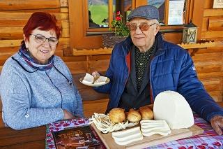 Ing. Herian a Anna Beníková na farme v Papradne DSC_2511