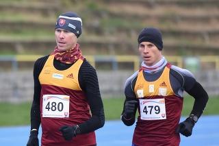 Na snímke zľava slovenskí chodci Matej Tóth a Michal Morvay