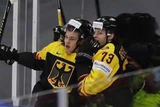 Zápas Lotyška s Nemeckom sledovali aj fanúšikovia na tribúnach.