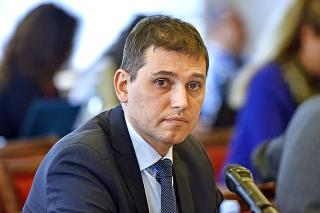 Adrián Szabó sa ešte nedávno zúčastnil kontroverzného stretnutia vysokopostavených ľudí v SIS.